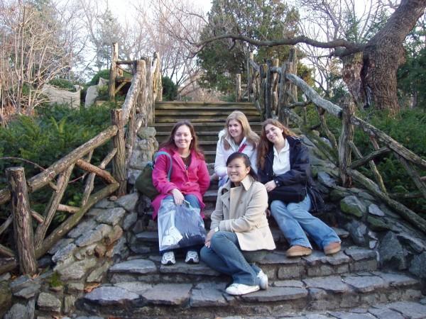 14 girls and Shakespeare's garden